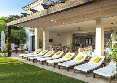 The patio & sun loungers at Villa Alandalus, Nueva Andalucía