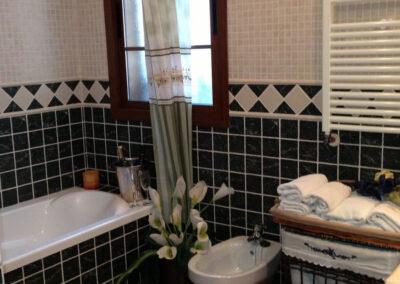 Bathroom #1 at Villa Antisa, Villanueva de la Concepción