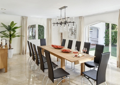 The dining area at Villa Atalaya, Nueva Andalucía