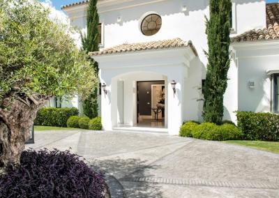 The entrance to Villa Bucolico, Benahavís