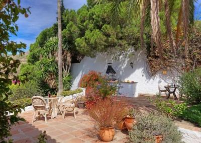 The barbecue area & patio at Villa Casanova, Nerja