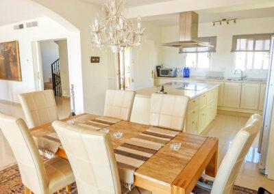 The kitchen & dining area at Villa Eneldo, Fuengirola