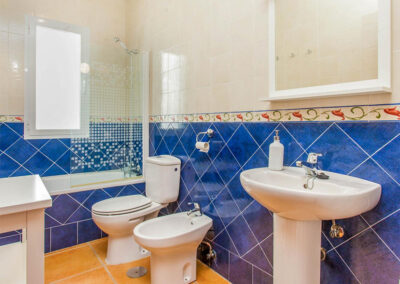The bathroom at at Villa Lilo, Torrox