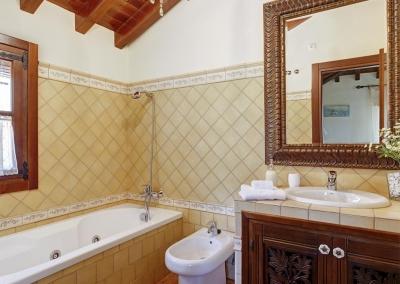 The bathroom at Villa Loli, Frigiliana