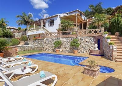The swimming pool at Villa Loli, Frigiliana