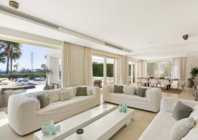 The living area at Villa Marques, Nueva Andalucía