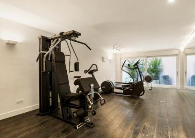 The fitness room at Villa Marques, Nueva Andalucía