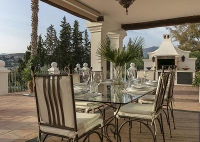 The outdoor dining & barbecue area at Villa Mastranto, El Paraíso