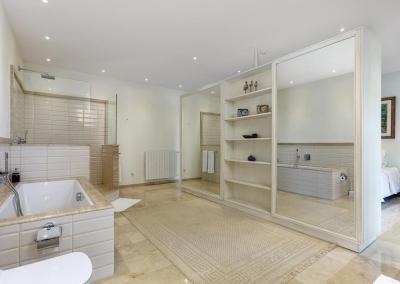 Bedroom #2 en-suite at Villa Mastranto, El Paraíso