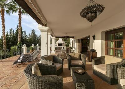 The covered terrace seating area at Villa Mastranto, El Paraíso
