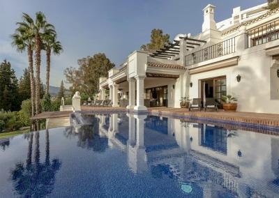 The swimming pool at Villa Mastranto, El Paraíso
