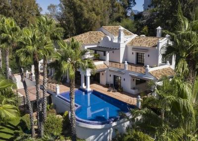 The swimming pool, terraces & gardens at Villa Mastranto, El Paraíso
