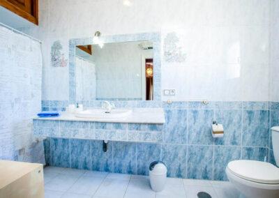 Bedroom #2 en-suite at Villa Rucula, Estepona