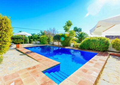 The swimming pool at Villa Rucula, Estepona