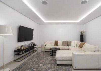 The second living area at Villa Tucan, Nueva Andalucía