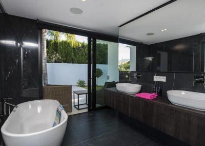 Bedroom #3 en-suite at Villa Tucan, Nueva Andalucía