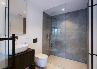 The bathroom at Villa Tucan, Nueva Andalucía