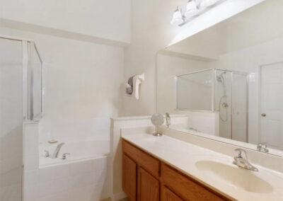Bedroom #1 en-suite at Watersong Resort 50, Davenport