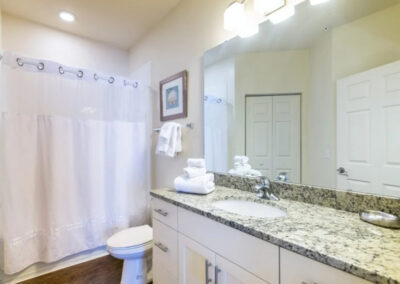 Bedroom #4 en-suite at West Lucaya Village 17, Kissimmee