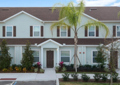 West Lucaya Village 5, Kissimmee, Orlando is a modest three bed, two bath townhouse for six. Comfortably furnished it is within easy reach of golf courses, Disney (seven minutes), restaurants and shopping along Highway 192. Onsite amenities include gated security, fitness center, pool & spa.