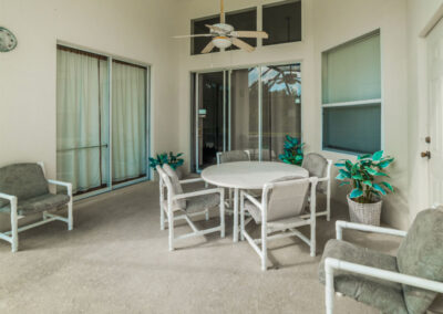 The covered lanai & alfresco dining area at Windsor Palms Resort 6, Kissimmee