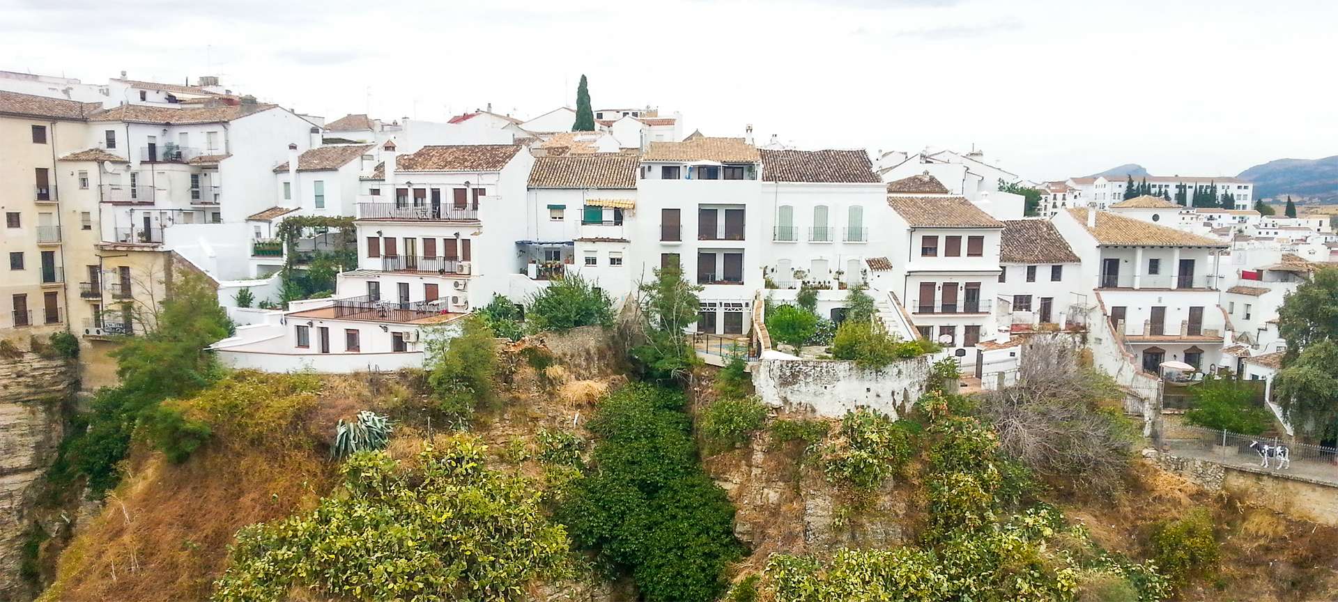 Enchanting white-washed villages of Andalucía - they're all characterised by white walls and red or brown roofs, narrow cobbled streets and alleys adorned with colourful flowerpots, local craft shops, at least one big notable church, and sometimes even the remains of an old castle or fortress.